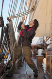 Jeune marin au travail Photo stock