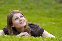 Jeune modèle de sourire photos stock