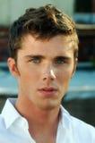 Jeune modèle Headshot de mâle adulte Photo libre de droits
