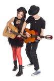 Jeune musique interraciale de couples Photos stock