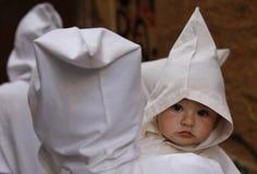 Jeune pénitent de Pâques photographie stock libre de droits