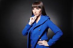 Jeune penser songeur de femme Photographie stock libre de droits
