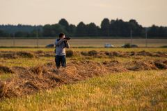 Jeune photographe amateur photos libres de droits