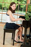 Jeune pianiste Photo libre de droits