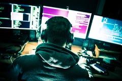 Jeune pirate informatique désolé photographie stock libre de droits