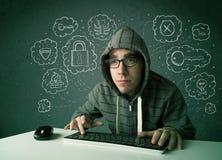 Jeune pirate informatique de ballot avec le virus et les pensées de entailler Photos libres de droits