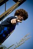 Jeune pointage à la mode d'homme Photographie stock libre de droits