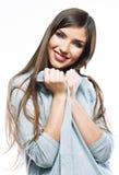 Jeune portrait occasionnel de style de femme Photographie stock libre de droits