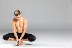 Jeune pose de danseur images libres de droits