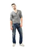 Jeune pose modèle masculine décontractée Photos libres de droits