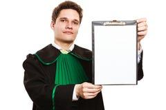Jeune presse-papiers masculin de prise d'avocat Image stock