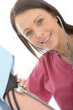 Jeune pression femelle professionnelle heureuse de docteur Taking The Blood d'un patient Image stock
