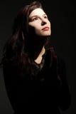 Jeune prière caucasienne de femme photos libres de droits