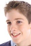 Jeune projectile heureux de profil de garçon photo stock
