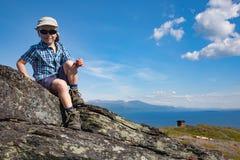Jeune randonneur Photo stock