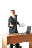 Jeune salutation de sourire d'homme d'affaires, lieu de travail Photos stock