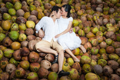 Jeune scène de couples dans l'amour Image libre de droits