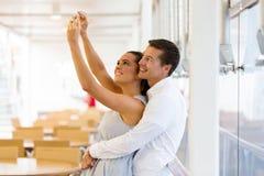 Jeune selfie de couples Photographie stock