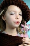 Jeune soufflement modèle dans le jouet Photos stock