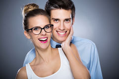 Jeune sourire de couples Images libres de droits