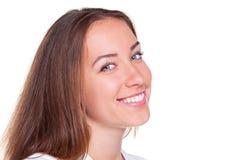 Jeune sourire de femelle photo stock