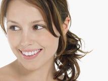 Jeune sourire de femme de brune images stock