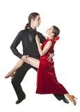 Jeune tango de danse de couples Photographie stock