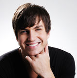 Jeune type heureux beau Image stock