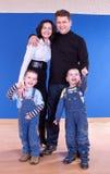 Jeune un famille en bonne santé et attirant Image stock