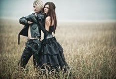Jeune verticale de couples de goth Photo libre de droits