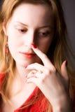 Jeune verticale pensive de femme Photo libre de droits