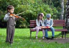 Jeune violoniste Images libres de droits