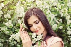 Jeune visage parfait de femme Bel Outdoors modèle féminin Image libre de droits