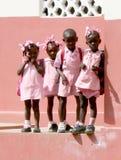 Jeunes écolières en le Haïti rural Image libre de droits