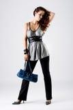 Jeunes achats de modèle de mode élevée Images libres de droits