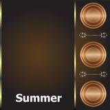 Jeunes adultes mot d'été sur le fond de luxe d'or, vacances d'été Photo libre de droits