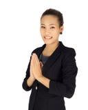 Jeunes affaires avec la posture de paiement thaïlandaise de respect photos stock