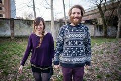Jeunes amants de cuople de hippie Photo stock