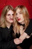 Jeunes ami et amie beaux de couples Photo libre de droits