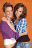 Jeunes amies heureuses Photo libre de droits