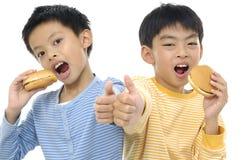 Jeunes amis asiatiques Photos stock