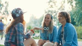 Jeunes amis des vacances Images stock