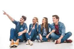Jeunes amis se dirigeant loin Photographie stock libre de droits