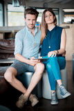 Jeunes beaux amants de couples Photo stock