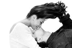 Jeunes beaux couples Communication entre un homme et une femme, soin, amitié, amour, relations Rebecca 36 Images stock