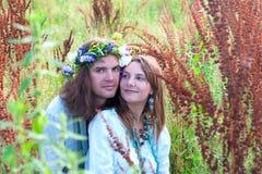 Jeunes belles hippies de couples Images stock