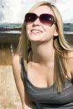 jeunes blonds de femme image stock