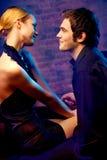 Jeunes couples à la boîte de nuit Images libres de droits