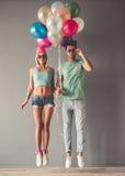 Jeunes couples élégants Photo stock