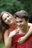 Jeunes couples adolescents romantiques riants Photographie stock libre de droits
